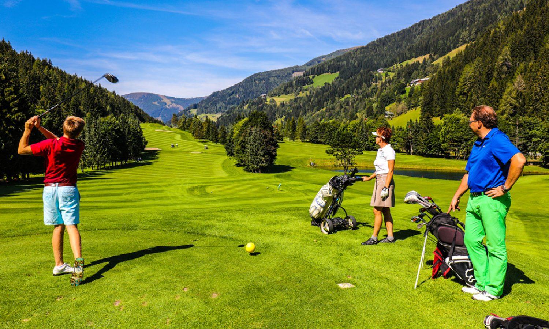 Golf_Abschlag-©-Bad-Kleinkirchheimer-Bergbahnen_Arno-Gruber-sen